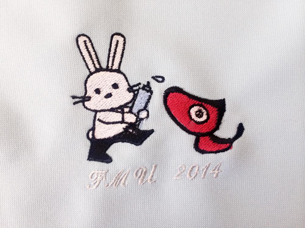 スクラブ 刺繍1