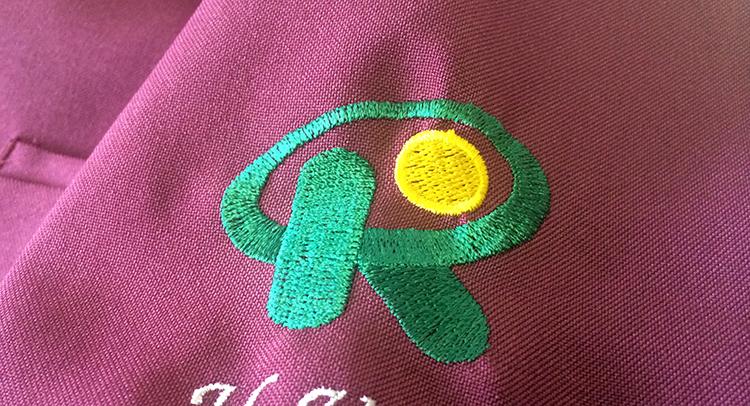 スクラブ 刺繍2