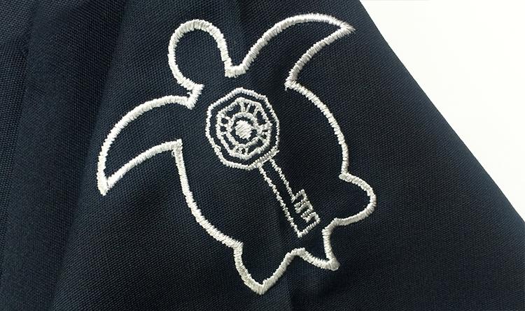 スクラブ 刺繍3