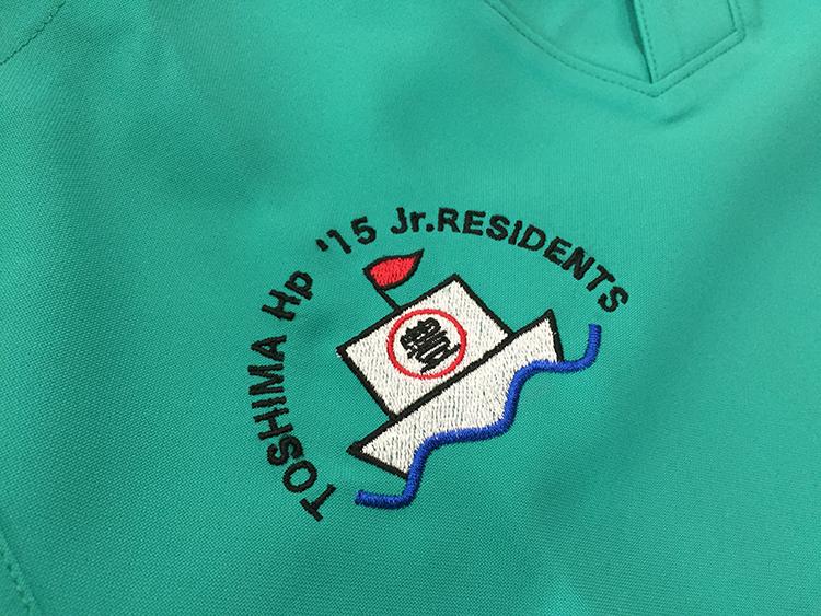 スクラブ 刺繍04