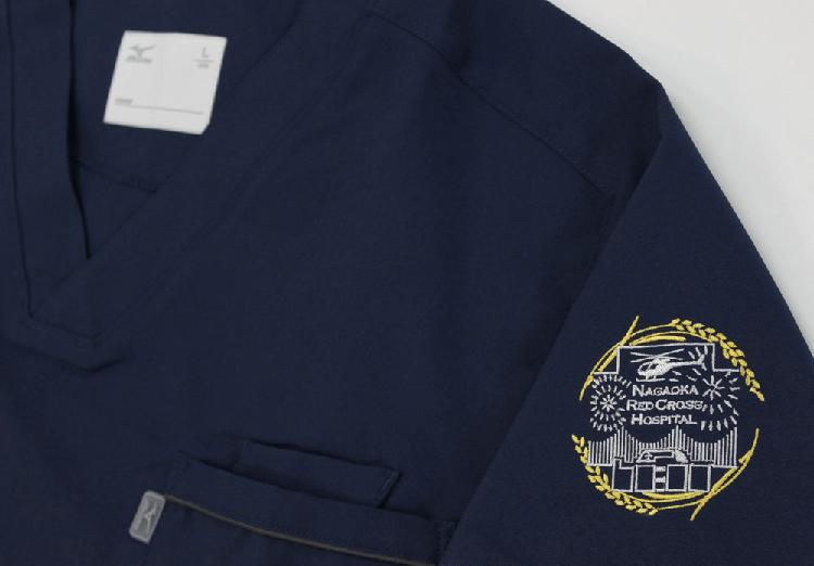スクラブ 刺繍05